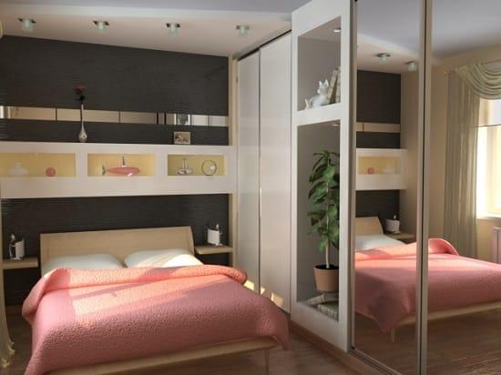 Установка точечных светильников для дополнительного освещения спальни в хрущевке