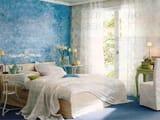 Идеальное сочетание белого и голубого цвета для оформления спальни